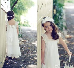Wholesale Vintage Chiffon Flower Girl Dresses - 2016 Vintage Lace Boho Flower Girls Dresses New Fashion Floor Length A Line Cheap Lace Flower Girls Gowns for Beach Garden Wedding party