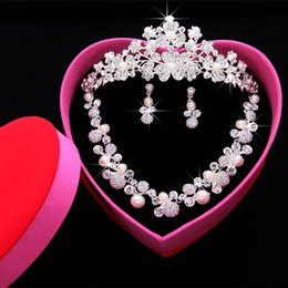 Wholesale Bridal Tiara Hair Crown Sets - Bridal tiara Crown knot wedding Bridal Accessories hair accessories jewelry three piece Pearl bridal necklace sets
