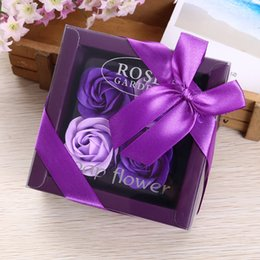 Wholesale decorative christmas gift boxes - Romantic Rose Flowers Handmade Scented Soap Flower Gift Box For Wedding Souvenir Birthday Party Decorative Articles Colourful 5 5my C R
