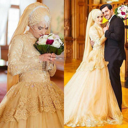 Wholesale Traditional Wedding Ball Gowns - Luxury Gold Long Sleeve Muslim Wedding Dresses 2017 Turkish Traditional Gelinlik With Hijab Lace Beads Mideast Bridal Ball Gowns