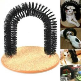 Wholesale Plastic Round Brush - Arch Pet Cat Self Groomer Brush Massager With Round Fleece Base Cat dog Toy Brush Pets Toys Purrfect Scratching Devices CCA7650 12pcs
