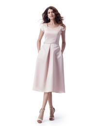 Blushing Pink A-line Modest Dama de Honor Vestidos Cortos Cap Sleeves Sweetheart Neck LDS Novias Vestido de Dama con Bolsillos Simple Casual desde fabricantes