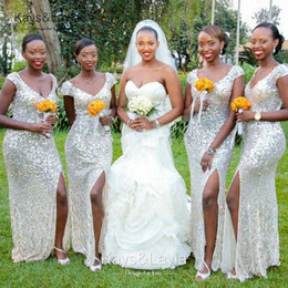 Wholesale New Silver economici paillettes abiti da damigella d onore con scollo a V Sexy High Side Split Long Wedding Party Dress Maid of Honor Abiti Abiti formali