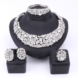 Wholesale Christmas Party Dress Designs - Bridal Gift Nigerian Wedding African Beads Jewelry Set Fashion Dubai Clear Crystal Jewelry Set Costume Design Party Dinner Dress
