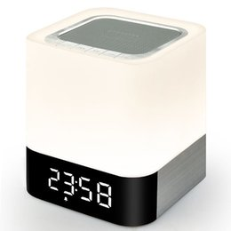 Argentina Al por mayor- ihens5 Altavoz Bluetooth inalámbrico portátil y luz LED Reloj de alarma con calidad de sonido Reproductor de MP3 Micro TF Tarjeta SD AUX USB portable wireless alarm for sale Suministro