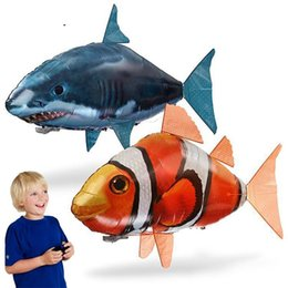 Wholesale Air Swimmers Flying Shark - IR RC Air Swimmer Shark Clownfish Flying Fish Assembly Clown Fish Remote Control Balloon Inflatable Toys for Kids