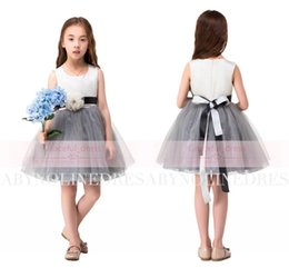 Wholesale Dresses Babyonline - Hot Babyonline In Stock White Flower Girl Dresses Cute Knee Length Jewel Short Baby Girl Birthday Party Christmas Communion Gowns CPS314