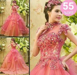 La personalización de vestidos de concurso online-2018 Vestidos de quinceañera modestos Volantes de cuello alto Cascadas a medida Apliques moldeados Sheer Long Pink Ball Ball Pageant Vestido de fiesta