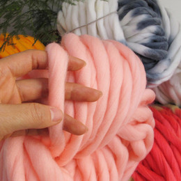Wholesale Natural Wool Yarn - Hot 1Lot=250g 36M Super Thick Natural Merino Wool Chunky Yarn Felt Wool Roving Yarn for Spinning Hand Knitting Spin Yarn Winter Warm Yarns