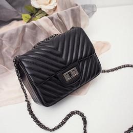 Wholesale Casual Messenger Bags For Women - 2016 Classic Retro V Lines Chain Lock Cover Shoulder Bags Fashion Crossbody Bags For Women Spring Women Messenger Bags BG253