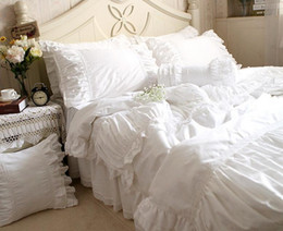 Wholesale Princess Floral Bedding - Luxury white lace ruffle bedding set 4pcs ,twin full queen king cotton girl,french princess wed home textile bedspread quilt cover