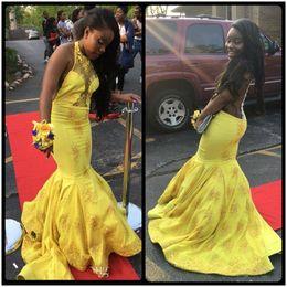 Wholesale vestidos graduacion royal blue - Sexy Satin Appliques Lace Halter Mermaid Yellow Long Prom Dresses Vestidos De Graduacion Largos 2017 Backless Court Train