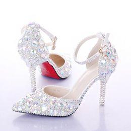 Piezas de diamante online-Zapatos de tacón alto de verano de las mujeres Zapatos de boda blanco de dos piezas Hueco de diamante zapatos de novia Crystal Wristband coloridos zapatos de cristal