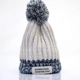 beanie fashion pompon Sconti Cappelli Pompon Warm Fashion Winter Cap Caldo Super Warm Beanie per donna Cappellini Lady Blended Knitted Hats Cappelli da donna