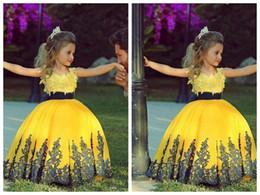 Hermosos tutus online-2016 nuevo cuello redondo apliques de encaje Vestidos de las niñas de las flores tutu moda encantadora vestido de niña de las flores Vestido con un hermoso vestido de niña de oro