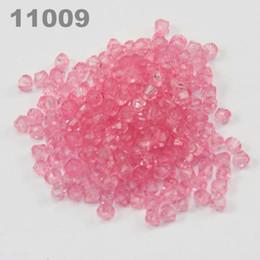 2019 llavero redondo de acrílico al por mayor 4mm Diy Lucite Bicone Transparente Cuentas de acrílico (900 piezas) rosa 11009
