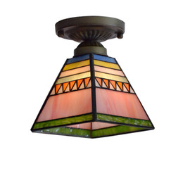 Luz de alpendre pingente on-line-Pirâmide Tiffany Corredor Teto Luz Pingente de Vidro Colorido Quarto Lâmpada Do Teto Varanda Corredor Porch Luz de Teto