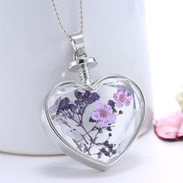 Wholesale Wishing Bottle Heart - New Design beautiful accessories purple flower Women Dry Flower Heart Glass Wishing Bottle Pendant Necklace free shipping O27