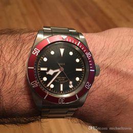 Красный циферблат из нержавеющей стали онлайн-2019 горячая распродажа мужские часы из нержавеющей стали с автоматическим механическим механизмом красный ободок черный циферблат сплошной застежкой мужские часы мужские наручные часы
