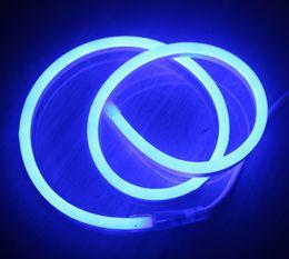 Super Bright SMD2835 8 * 16mm (8.5 * 17mm) LED ultra sottile flessibile illuminazione al neon AC220V LED Mini corda al neon con 1 anno di garanzia cheap bright rope lighting da illuminazione della corda luminosa fornitori