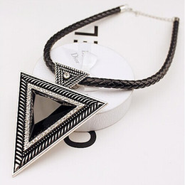 Wholesale New Fashion Jewlery - New Silver Black Rhinestone Choker Necklaces For Women Leather Chain Triangle Pendant Necklace Women Sweater Fashion Jewlery