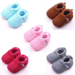 Wholesale Pink Baby Crochet Shoes - 2016 New Arrival Wool Baby Girl Boy Shoes Warm and Soft Crochet Upper Flower Print Sole Anti-slip Infant Shoes 5 Colors Wholesale