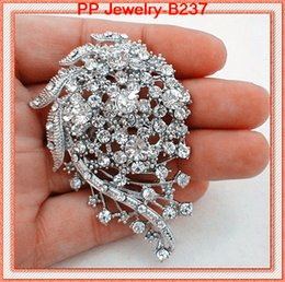 Wholesale wholesale jewelry scarfs - High Quality Clear Crystal Wedding Bridal Bouquet Pin Brooch Women Corsage Jewelry Party Jewelry Pins Hot Selling Elegant Lady Scarf Pin