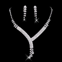 Wholesale Necklaces Accessories - Cheap Bridal Jewelry Crystal Rhinestones Bride Prom Wedding Jewellery Sets 2015 Necklace Drop Earrings Bridal Accessories 15023