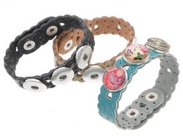 Wholesale Childrens Chains - Dark buckle 2016 Leather Kids Childrens Colorful Hear Hollow Out Noosa Chunks Snap Button Leather Bracelets Ginger Snaps Interchangeable DIY