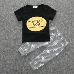 Wholesale Yellow Baby Shorts - 2016 MAMAS BOY baby clothing setsToddler clothes Gold arrow cotton short sleeve black T-shirts tops gray pants 2pcs sets quality