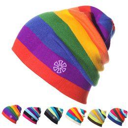 Cappelli invernali da donna Arcobaleno a righe cappello da sci Unisex caldo  cappello lavorato a maglia cappello berretti da donna Hip Hop Skullies per  uomo ... bb0b4fa005f4