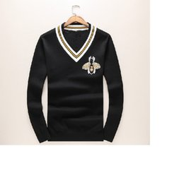 Wholesale Print Manufacturers - Autumn and winter new sweater men fashion V - neck bee printed cashmere sweater spot manufacturers approved