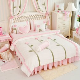 Wholesale Queen Winter Comforter - Wholesale- 2015 winter Sunflower Coral velvet Keep warm Comforter bedding sets Microfiber Fabric 4pcs Lovely Princess bed set