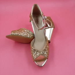 Chaussures de mariée en paillettes or peep toe bretelles bas chunky sandales de mariée à talon pour les femmes plus la taille faites sur commande chaussures de talon de bloc de couleur ? partir de fabricateur