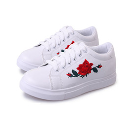 Wholesale White Flat Creepers Shoes - 2017 Fashion Casual Women Embroidered Flower Creepers Flat Shoes PU Leather Round Toe Lace-Up Platform Flat Shoes