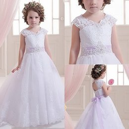 Wholesale Long Vest For Girls - 2016 Pretty Lace Flower Girls Dresses For Weddings And Party Tulle Appliques Tank Girls Long Pageant Dress communion