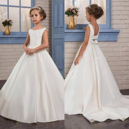 Wholesale birthday plains - Simple Plain Satin White Ivory Princess Flower Girl Dresses 2017 Backless with Bow Sash Kids Formal Wear Gowns Birthday Party Pageant Dress