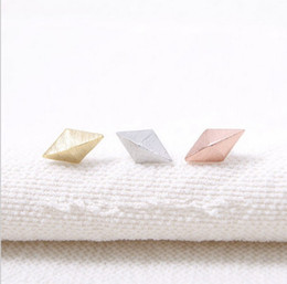 Wholesale Rose Earring Diamond - The arrival of 2016 new female, silver and rose gold for women EY - E009 diamond cone studs earrings festival best gift