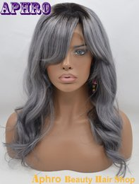 2017 wholesale ombre full wigs Glueless Silk Top Virgin Brazilian 100% Human Hair Gris plein Lace Wigs 130% Densité à bas prix Silver Grey Lace Front Wigs gros Avec Bangs wholesale ombre full wigs pas cher
