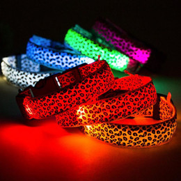 Wholesale Leopard Dog Collars - LED Dog Collar Safety Leopard Design Nylon Night Light Necklace For Dog Cat Glowing in the dark Flashing Pet Decor Producto L007