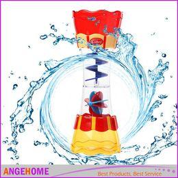 i bambini giocano nell'acqua bagnetto giocattolo scoop acqua nuoto spiaggia rotante cilindro flusso osservazione Cup da