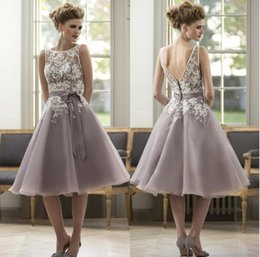 color chart for wedding dress prices - Elegant Colorful Knee Length Lace Appliques Bridesmaid Dresses 2016 For Wedding Party Women Formal Occasion Gown Scoop Organza