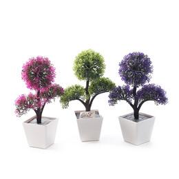 Alberi di bonsai artificiali fioriti online-Bonsai di fiori Piante artificiali Bonsai per la casa Alberi di plastica artificiali decorativi Fiori artificiali per la decorazione Imitazione Agrifoglio in vaso