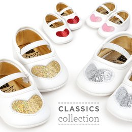 Wholesale Red Crib Shoes - Girl Baby Shoes PU leather Heart Pattern crib Prewalkers Autumn Spring newborn Soft Bottom baby moccasin shallow white shoes