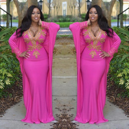 Canada 2017 Hot Pink Marocaine Turque Robes à Manches Longues Deep V Neck Evening Robes Or Perles Arabe Dubai Prom Party Clothing Femmes Offre