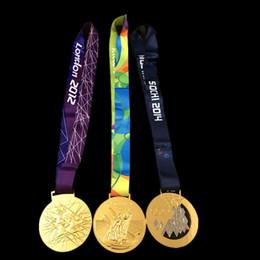 Mezcla de jugadores online-3 pcs por lote Mix. tres diseños Medallas de oro olímpicas 2012 Londres 2014 Sochi 2016 Río insignias con el premio Campeonato de la cinta para el jugador