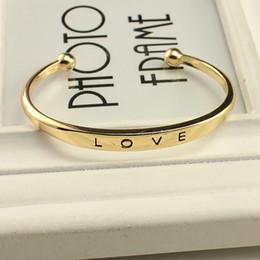 Fashion Alloy texture femminile minimalista amore Bracciali bangles Oro argento oro rosa 3 colori regalo di San Valentino da bracciale in pelle zircona cubica fornitori