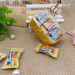 Wholesale Yellow Wedding Party Favors - Travel Themed Mini Travel Suitcase Trolley Wedding Favors Party Reception Candy Package Baby Shower Ideas wen4477