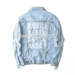 Fall-Light Blue Denim Chaqueta Kanye west PABLO Album Souvenir Heybig Swag Ropa Street Fashion Hiphop hombres jean Chaquetas desde fabricantes