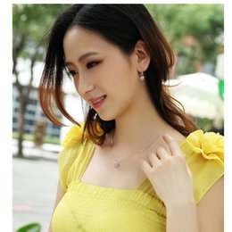 Wholesale Cheap Yellow Diamond Earrings - Austrian Crystal Jewelry Cubic Love Pendant Necklace Earring Set Cheap Jewelry Set Fashion Accessories